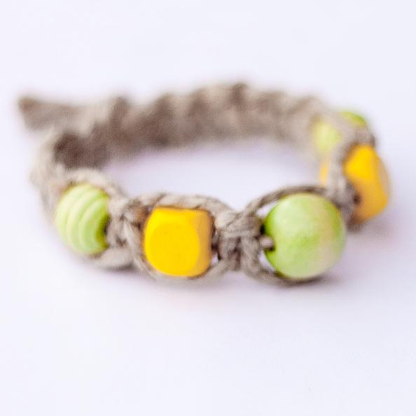 Hemp bracelet (M)